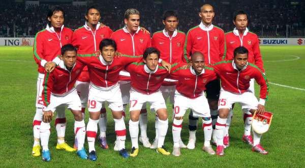 http://3.bp.blogspot.com/_dyq37QiCHAA/TRbrlFUWpbI/AAAAAAAAAFo/VHDalyRD-ME/s1600/timnas-indonesia-piala-aff-2010.jpg