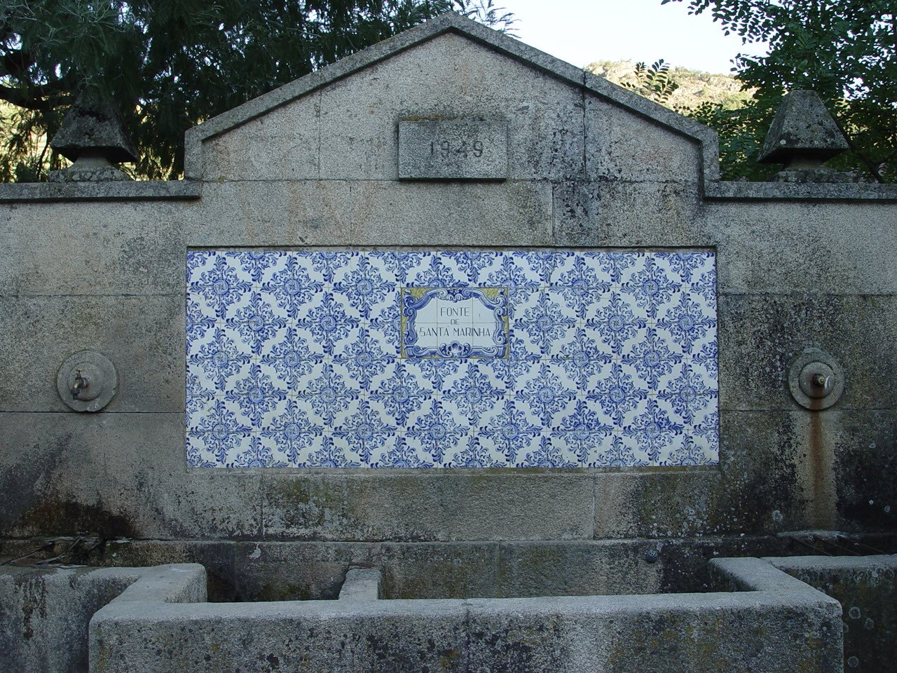 Besuchen Sie Die Quelle Der Santa Marinha   Ribalonga