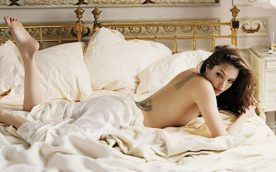 angelina jolie topless photo