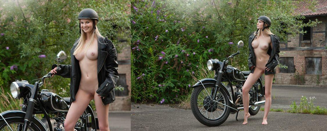 Mulheres Jaqueta Em Moto Gostosa De Babes On Bike With