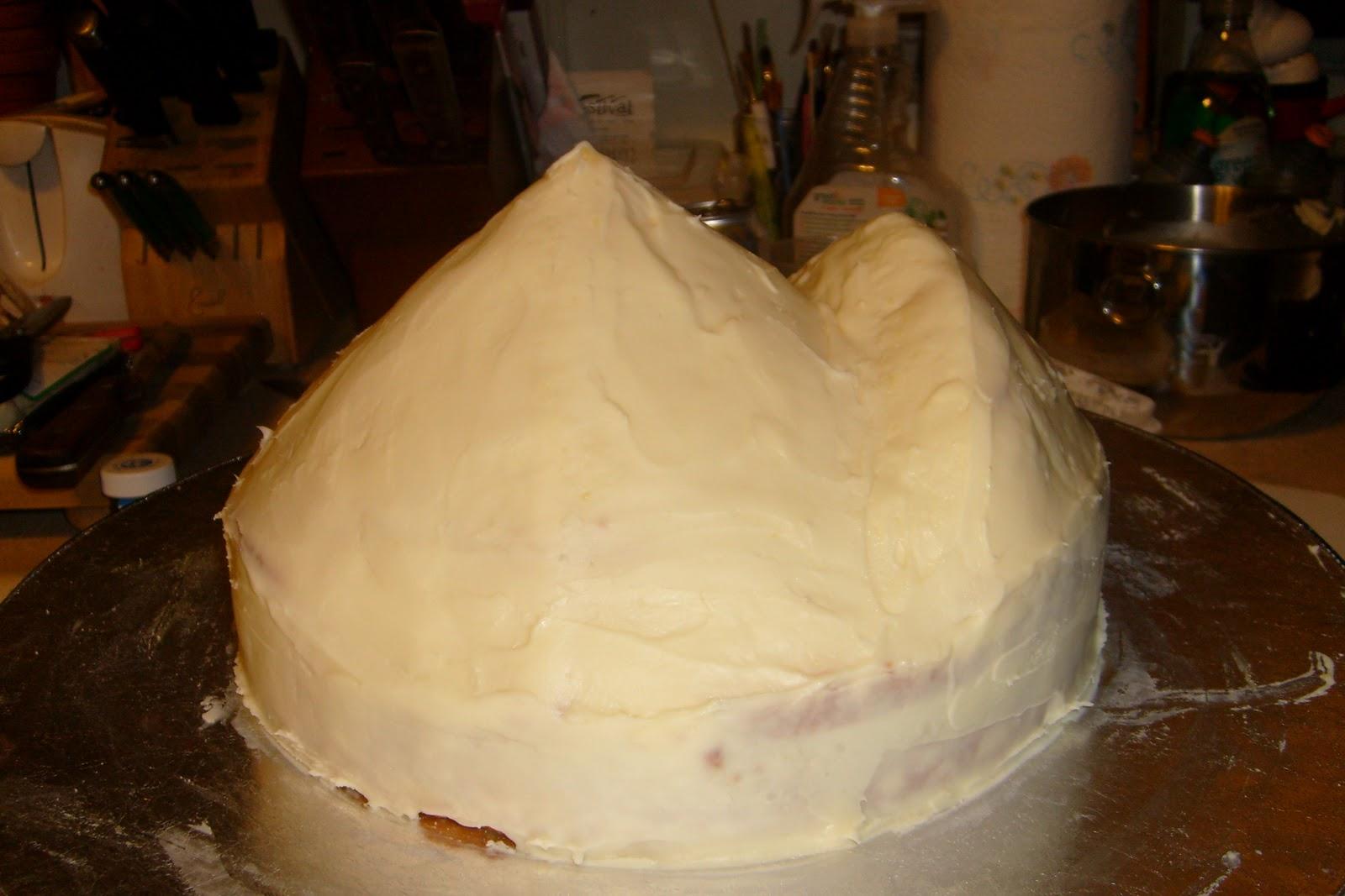 Crumb Coat With White Chocolate Ganache