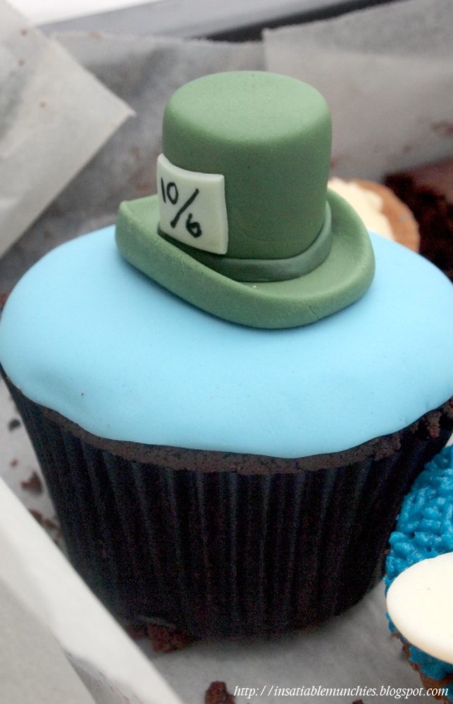 Cupcake with a mad hatter top hat