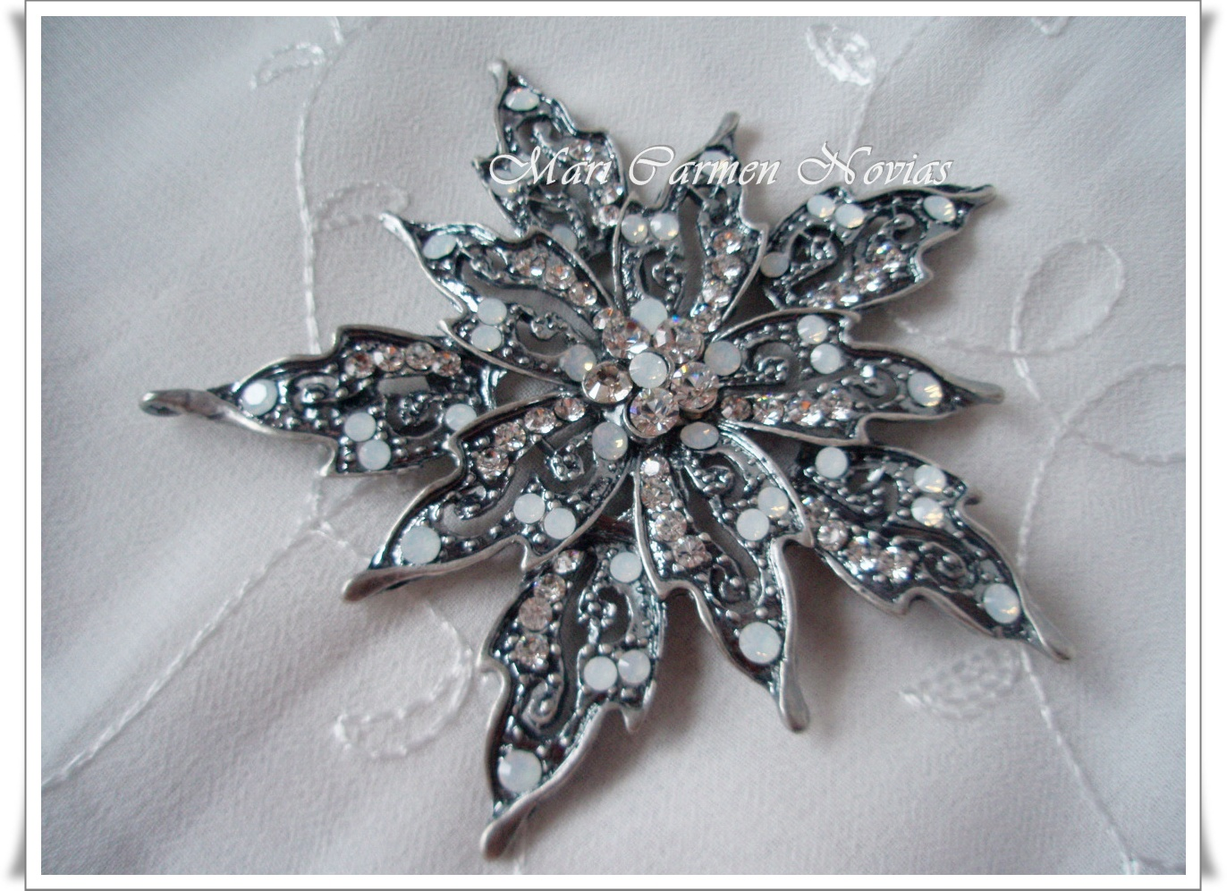 BROCHE FLOR PICOS | Complementos para novias: pendientes y tocados ...