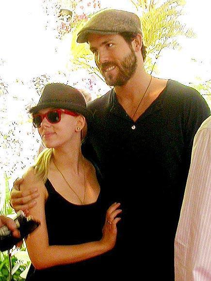 ryan reynolds and scarlett johansson divorce. Scarlett Johansson and Ryan
