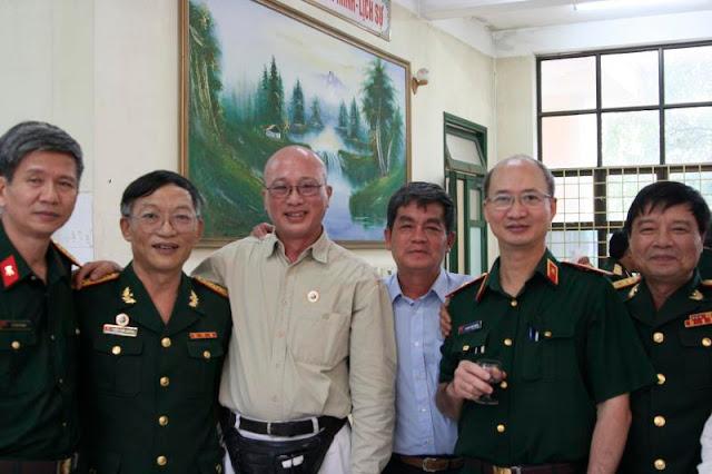 (trái qua phải) anh Thanh k2, Tuấn Quảng k6, HT và VT k4, SD k3, Chí Hòa  k5.