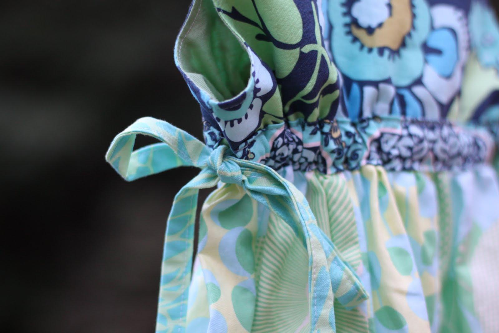 http://3.bp.blogspot.com/_e2fLkHmot7Y/THRAkUvfuZI/AAAAAAAABLM/6tcJd1wsYPM/s1600/2010-08+Mini+moo+and+fabric_0025.JPG