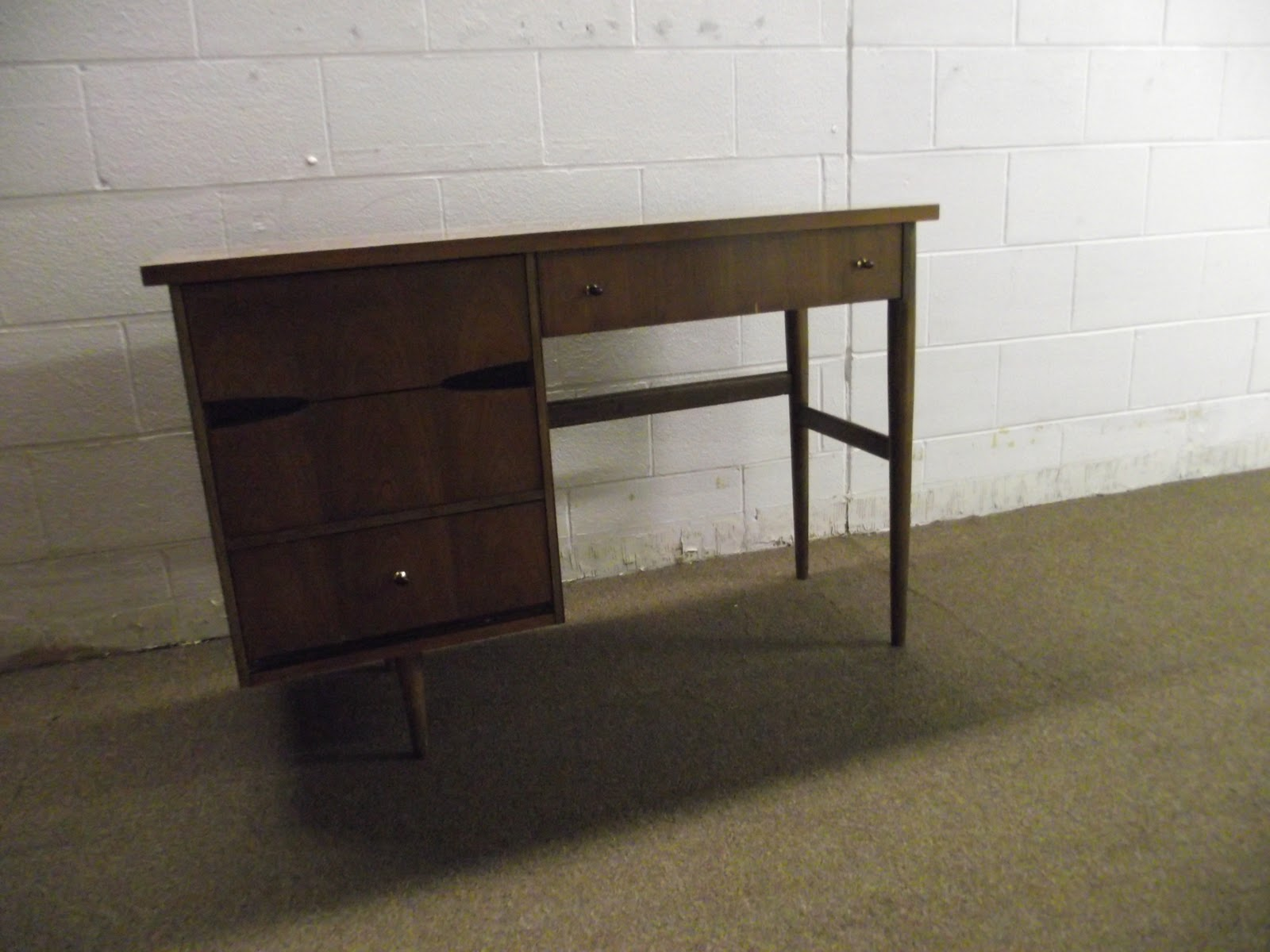 Broyhill Furniture Outlet Sanford Fl Antique Heirloom Furniture In Dallas Tx By Broyhill