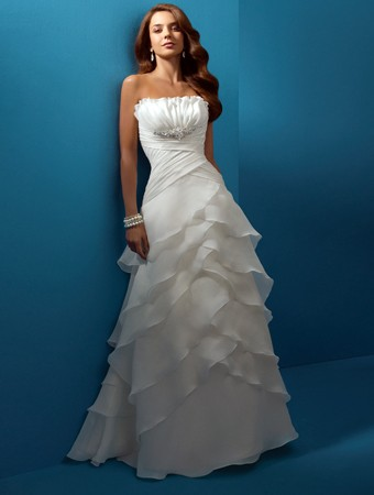 Simple beach wedding dress the perfect dress for the for How to find the perfect wedding dress