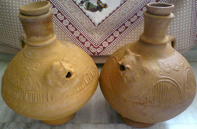 Surahis which keep water cool naturally