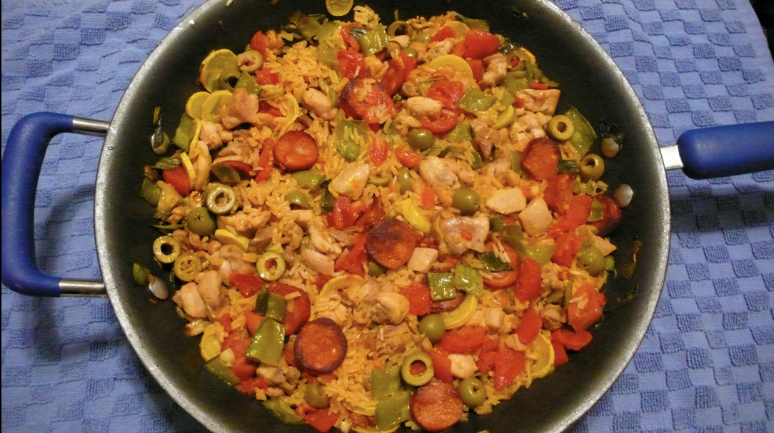 ... Kitchen Adventures: CEiMB: Chicken Paella with Sausage and Olives
