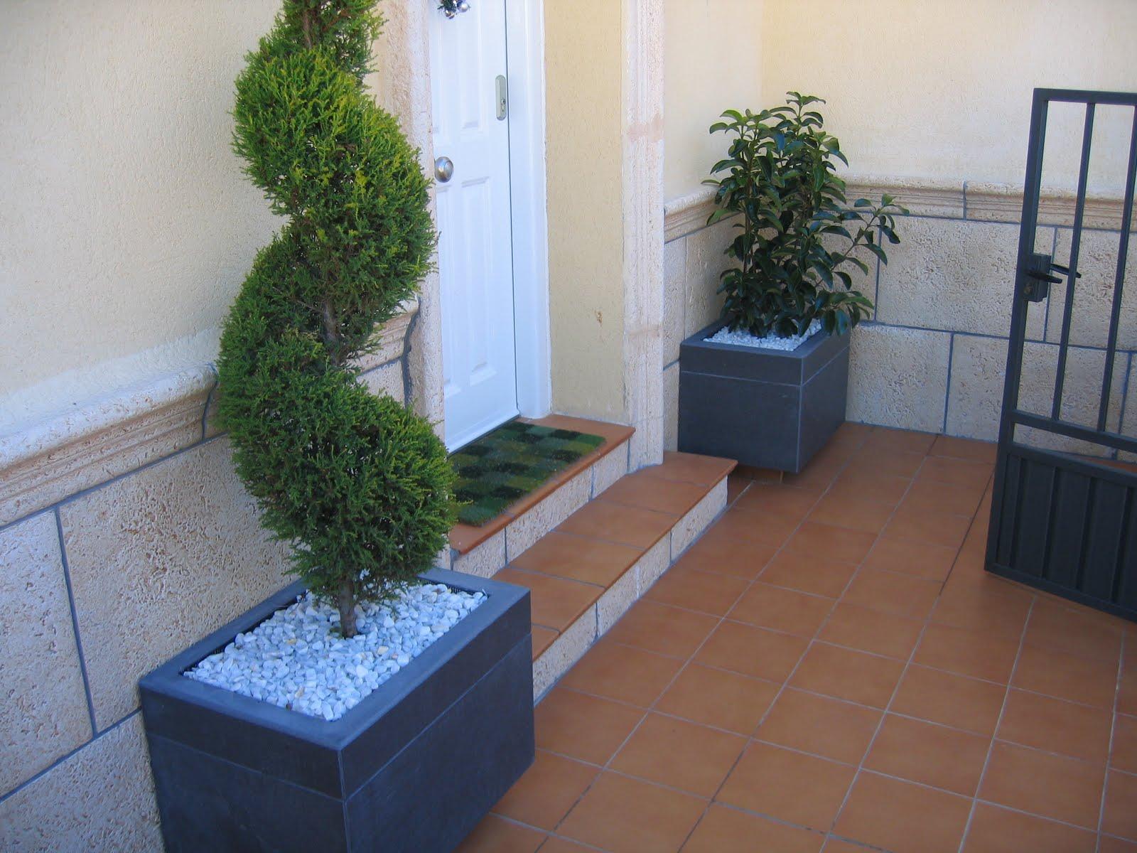 Cuvicons reformas y construcci n jardineras en el suelo y maceteros de obra - Maceteros de madera baratos ...