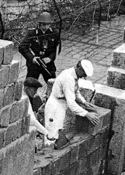 la contruccion de muro esclabitud