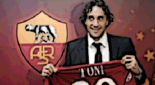Bayern's Luca Toni To Stay At Roma