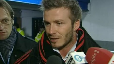 Beckham talks to the press on staying at AC Milan