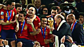 Sepp Blatter awards World Cup to Spain