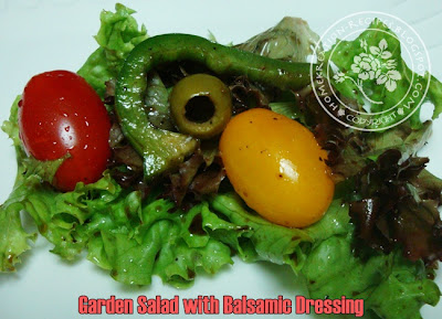 Garden salad with balsamic dressing