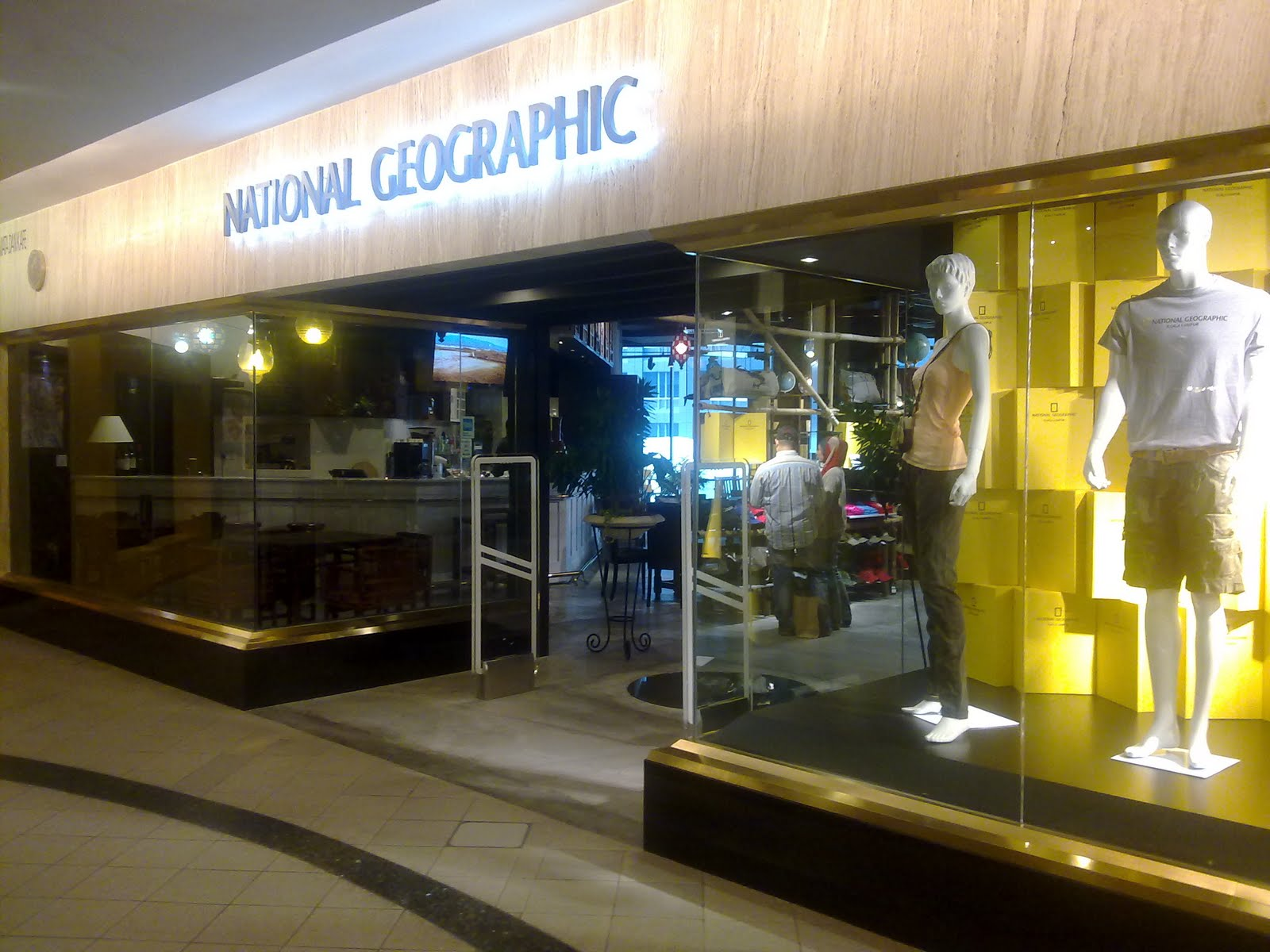all about indomee: National Geographic Store @ Lot 10