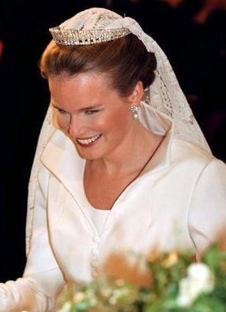 princess diana wedding tiara. princess diana wedding tiara.