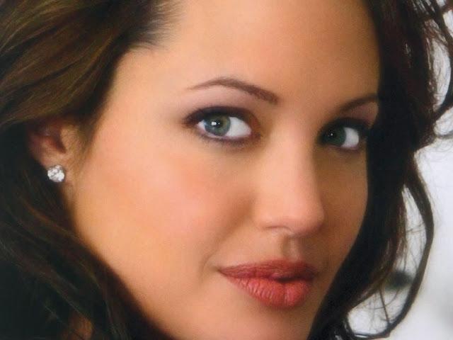 Angelina-Jolie-Wallpapers-105
