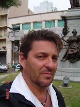 Monumento ao Maestro Carlos Gomes.