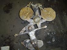 Esculturas em repousa para esfriar pós fundição.