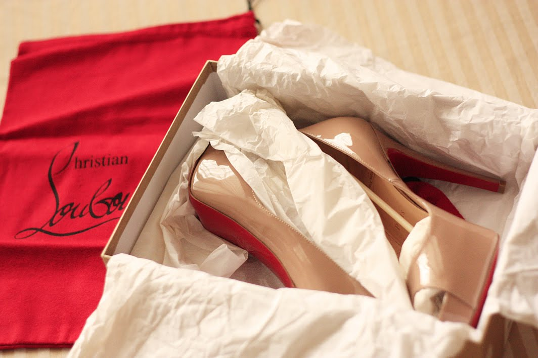 christian louboutin hyper prive patent leather pumps