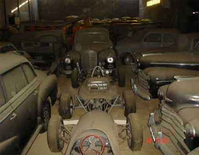 Photos of Old Car Collection Found in Portugal Barn