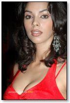 Hot babe Mallika Sherawat