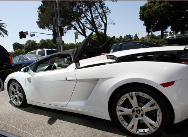 justin bieber driving lamborghini. Justin Bieber turned 16 on
