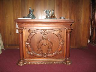 Jesmar decoraciones mesa credencial for Sillas para iglesia en madera