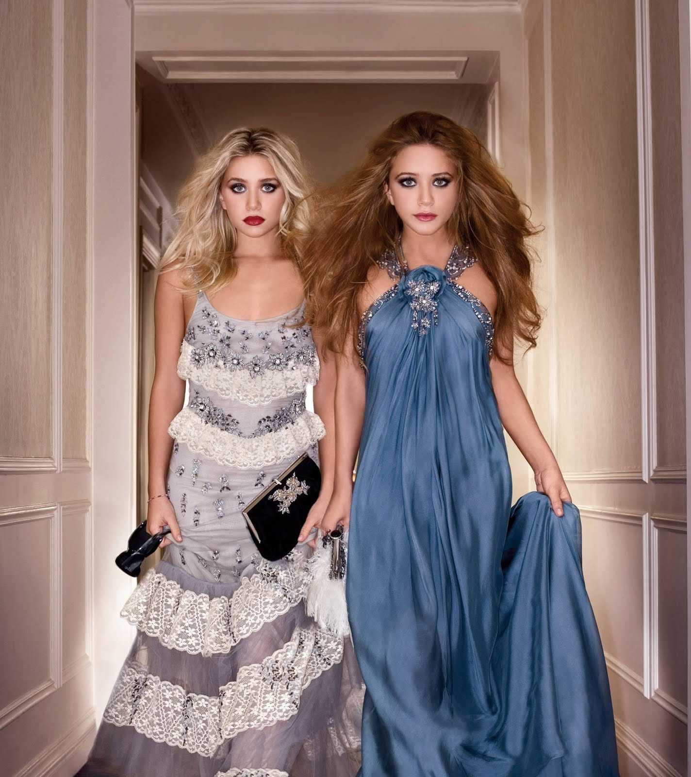 http://3.bp.blogspot.com/_eJA0MlOdpyo/S_rFx1rjdSI/AAAAAAAAAC8/pxBRaqVqLo8/s1600/mary-kate-ashley-olsen-badgley-mischka-ad-hq-02.jpg