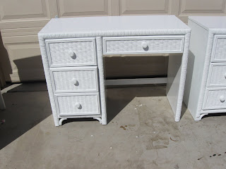 Dresser, Dresesr and desk combo