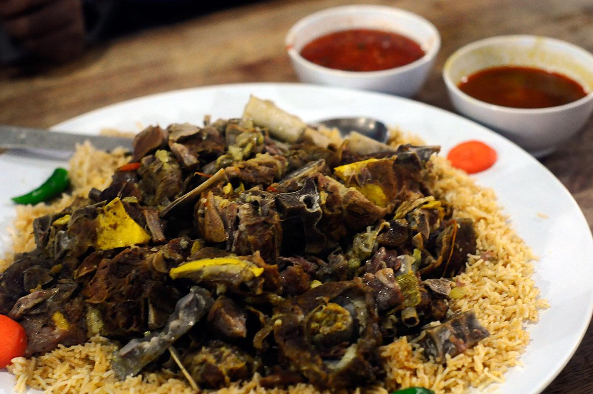 Yummy yummy yummy i got love in my tummy al rawsha for Arabic cuisine history