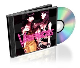 CD: The Veronicas - Hook Me Up