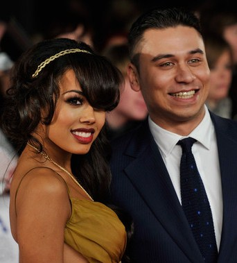 whos dating who in eastenders in real life It has been reported that jenna coleman and tom hughes, who are currently playing famous couple queen victoria and prince albert in itv's victoria, are actually dating in real life.