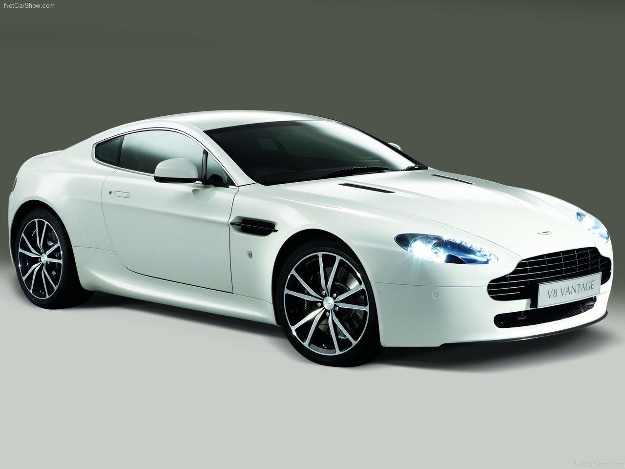 http://3.bp.blogspot.com/_eNKt9scw9RE/TDhtZ3KZ6TI/AAAAAAAAAOw/S-697PTT2pg/s1600/Aston+Martin+V8+Vantage+N420+2011+road+car.jpg