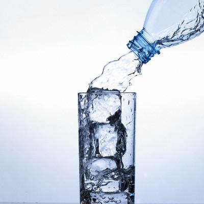 هل تعلم أن الماء يسمع كلامك؟؟  Fyqm7mnx