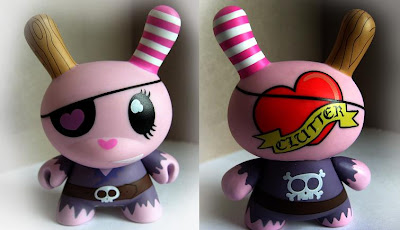 Kidrobot - Clutter's Pirate Series 5 Dunny Front and Back