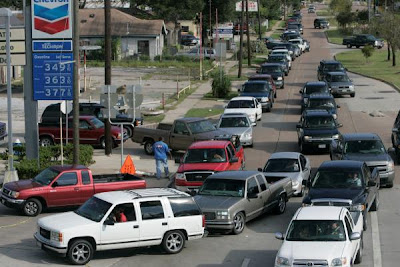Cars Lining Up To Get Gas In Houston, Texas After  Widespread Power Outages Due To Hurricane Ike Makes It Hard To Find A Working Gas Pump