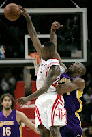 Los Angeles Lakers vs. Houston Rockets on January 13, 2009 in Houston, Texas - Rockets Guard Von Wafer and Lakers Guard Kobe Bryant