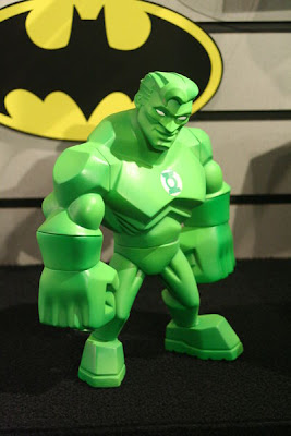 DC Direct Uni-Formz – Power Glow Green Lantern Vinyl Figure