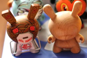 Kidrobot Dunny Series 2009 - Pon and Travis Cain Chase Figures