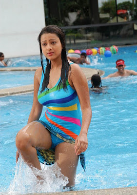 actress swimsuit images