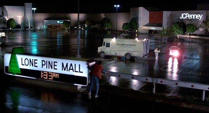 http://3.bp.blogspot.com/_eSxF4Et6FME/TBckbohTmPI/AAAAAAAACJg/UWXJ19VUHbI/s1600/Lone+Pine+Mall.jpg