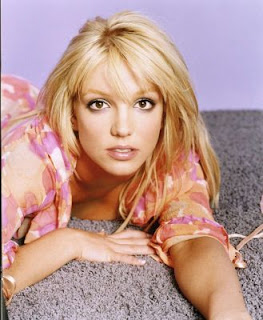 britny spears close up face