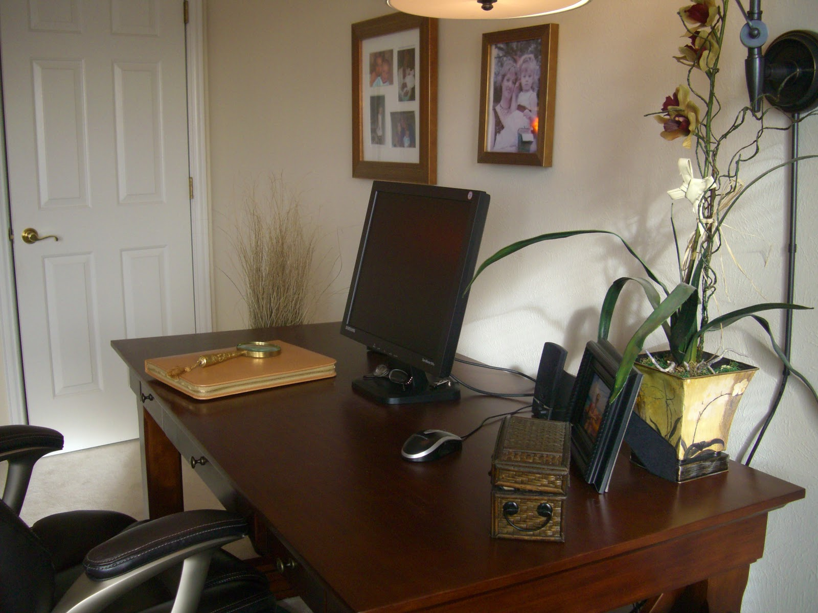 Beautiful habitat home office design 101 function for Office design 101