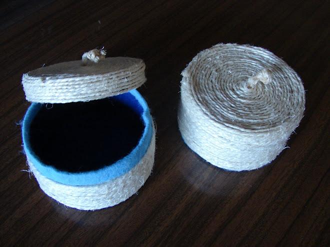 caixas de queijo decorada com cordão e feltro