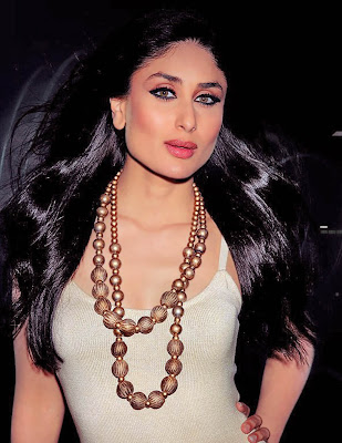 kareena kapoor hot wallpapers in bikini. Kareena Kapoor(Our Bebo).