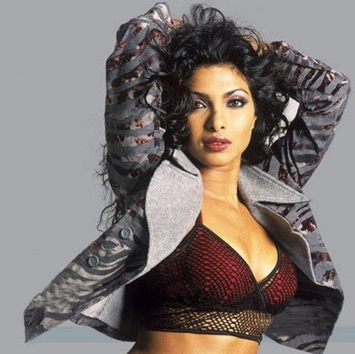 Priyanka Chopra Hot Kiss Pics Pictures Photos Wallpapers Photoshoot Spicy Bikini Girl Babe Bollywood Actress Piggy Chops Upcoming Movies Latest News 2010 Priyanka Chopra Hot Kiss Pics Pictures Photos Wallpapers