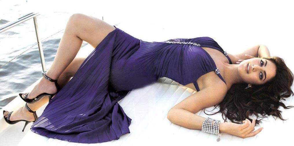 Katrina-Kaif-Akshay-Kumar-Rain-Hot-Pics-Picture-Wallpaper-Photoshoot